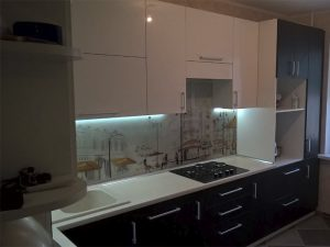 Кухня с крашеным фасадом 2