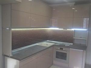 Кухня с крашеным фасадом 3