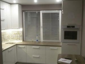 Кухня с крашеным фасадом 4