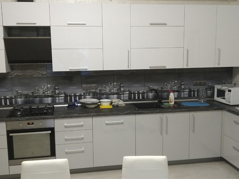 Кухня с крашеным фасадом 5